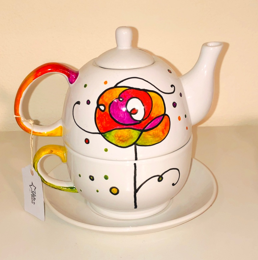 Tea for one. Te para uno. Te individual. Tea for me. Teapot and mug with plate in ceramic hand painted. Unique piece painted by hand. Dishwasher safe.