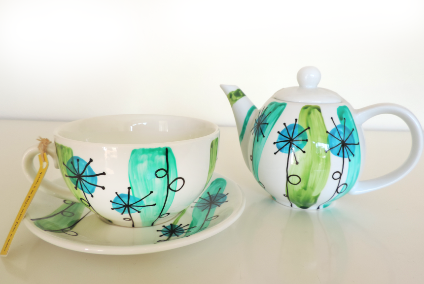 Handpainted ceramic teapot and mug with plate. Unique ceramics painted by hand. Custom hand painted pottery and ceramics by Luciana Torre ART.