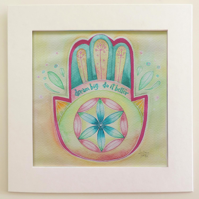 Hamsa Hand con Fiore della Vita della artista Luciana Torre. Acquarello dipinto a mano su carta ecologica 300 g. con cornice in cartone provvista di attaccatura posteriore. 23 x 23 cm. ✤ Opera unica e originale dipinta con acquarelli artigianali - 24€ ✤Personalizzabile su ordinazione. . #lucianatorre #artlicensing #artforproducts #artprint #bohodecor #hamsahand #regalipersonalizzati #fioredellavita #mandala #illustratorsforhire #floweroflife #manodefatima