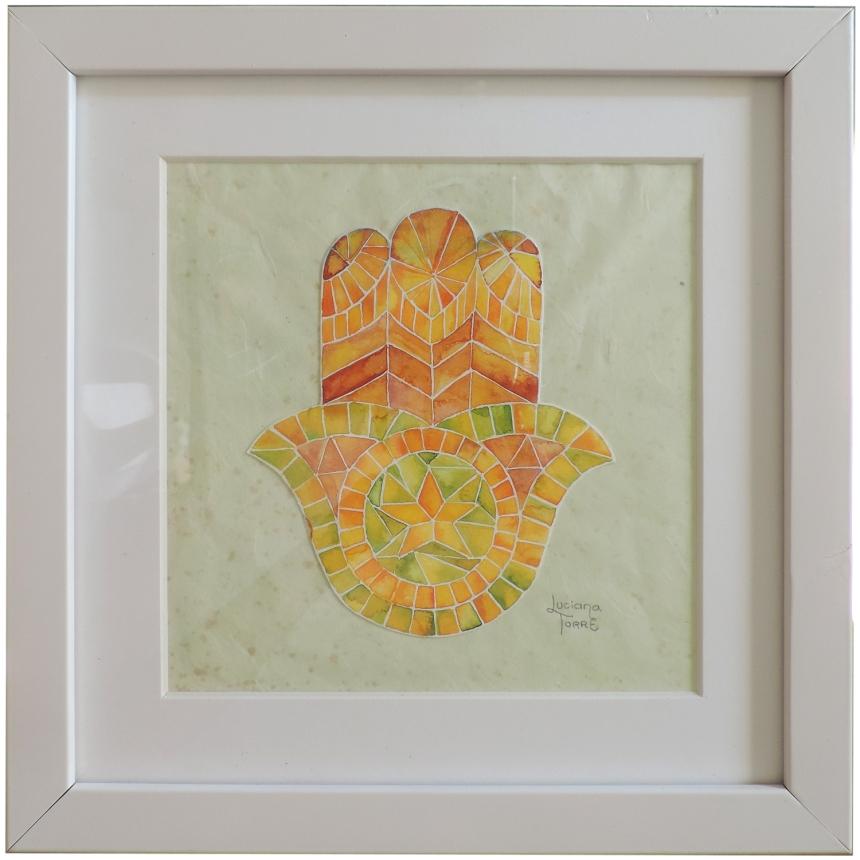Opera unica dipinta a mano con acquarelli artigianali su carta ecologica 300 g. Cornice in legno che può essere appoggiata oppure appesa, passe-partout e vetro protettivo. Misure: 26 x 26 x 3 cm. ✤ 37 € ✤ Personalizzabile su ordinazione. #lucianatorre #artlicensing #artforproducts #artprint #bohohomedecor #regalipersonalizzati #mandala #illustratorsforhire #hamsahand #manodefatima #khamsa #mosaico